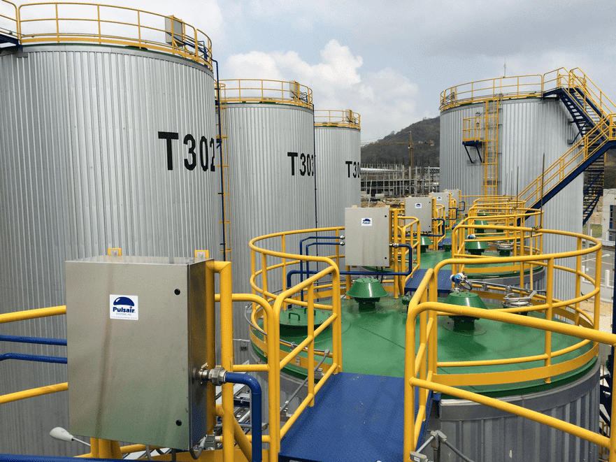 compressed gas mixing systems